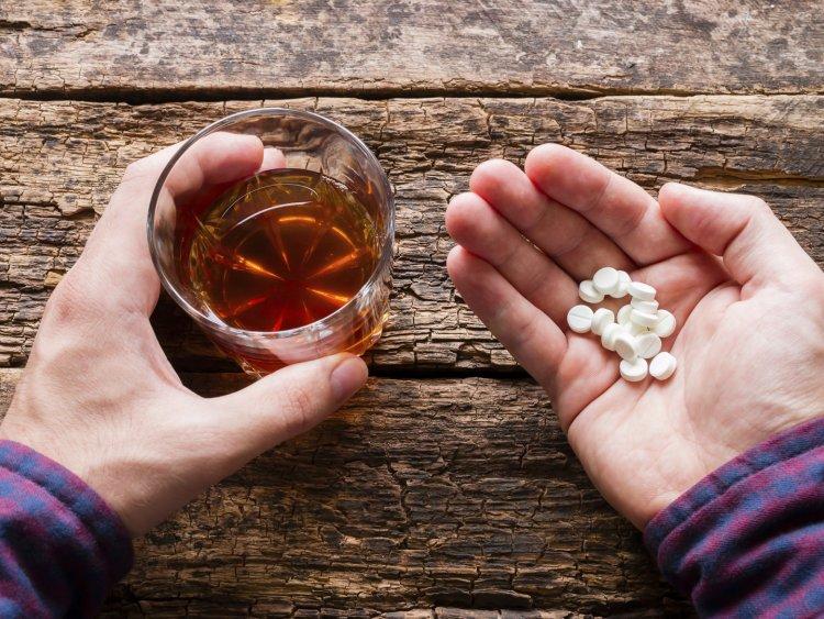 Алкоголь и лекарства: комбинация и последствия