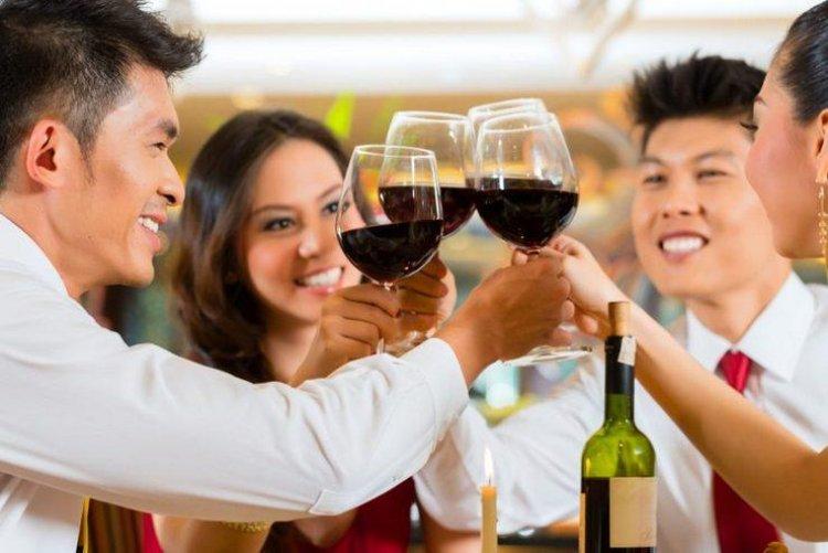 Опасная алкогольная традиция Ганбэй (интересное об алкоголе)
